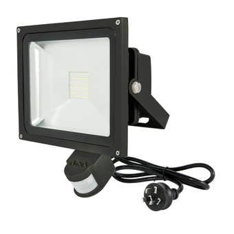 Avenger 11 30W LED Floodlight with Sensor Black