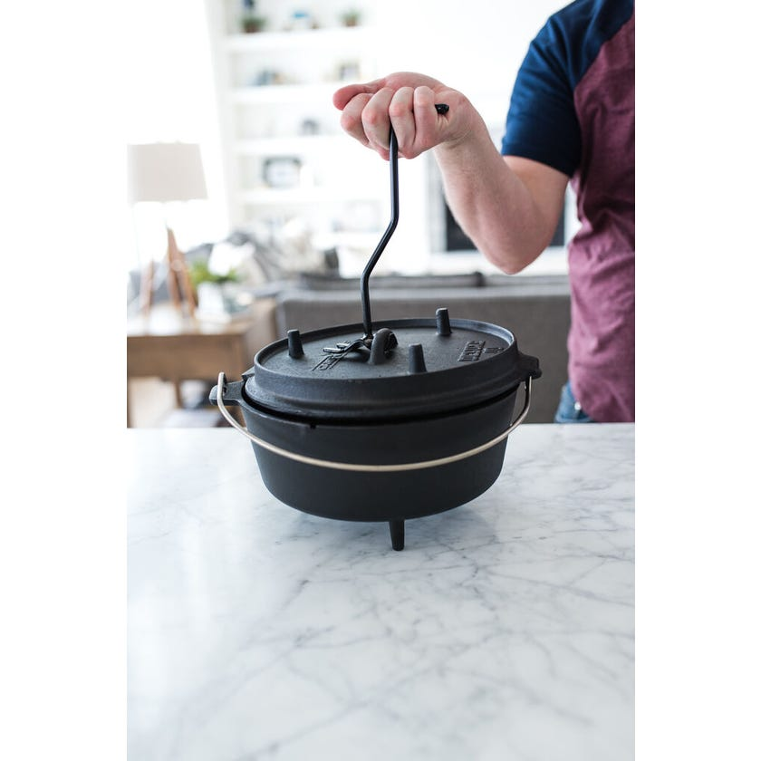 Camp Chef Cast Iron Deluxe Dutch Oven 25cm