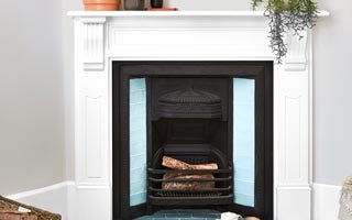 Painting a mantlepiece with Accent DIY banner